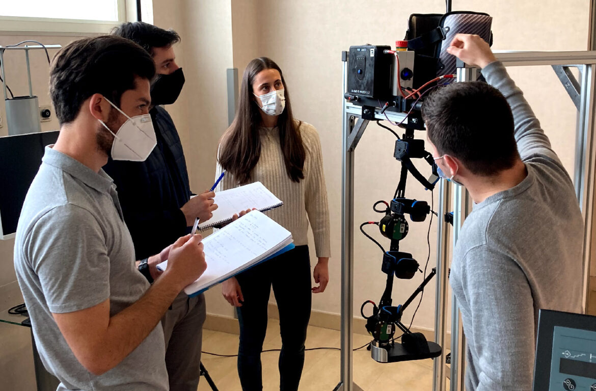 Saloexo partners learn the use of Exo-H3